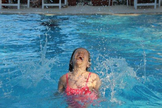 Ca' de Rossana Bed & Breakfast : fun in the swimming pool