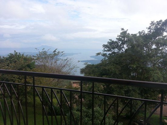 Taal Vista Hotel: View from our terrace
