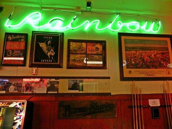 Rainbow Cafe : Interior neon