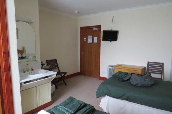 Morven House Guest House: twin room