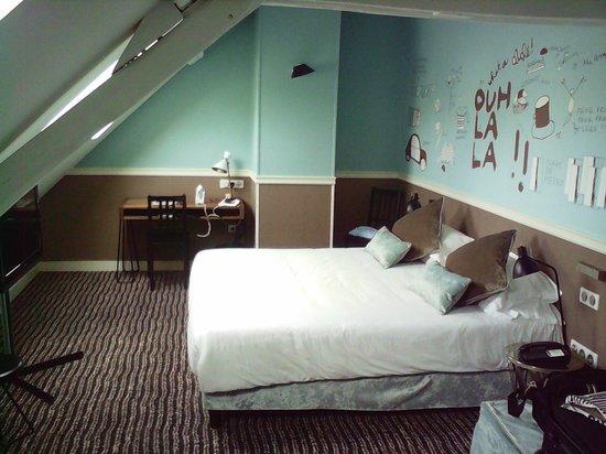 Hôtel des 3 Poussins : Bedroom