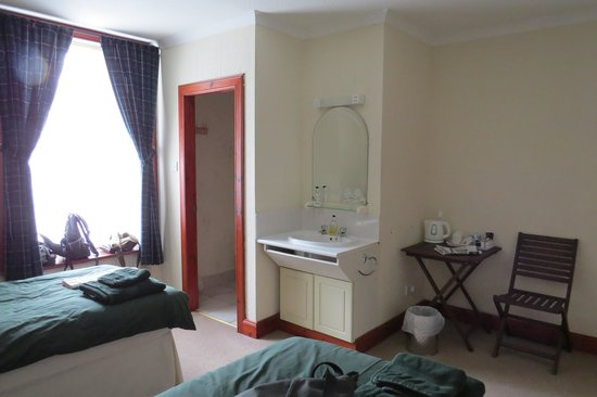Morven House Guest House: room 1