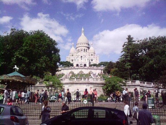 Hotel des 3 Poussins: Sacre Cour