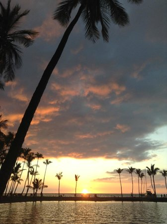 Anaehoomalu: A-Bay sunset