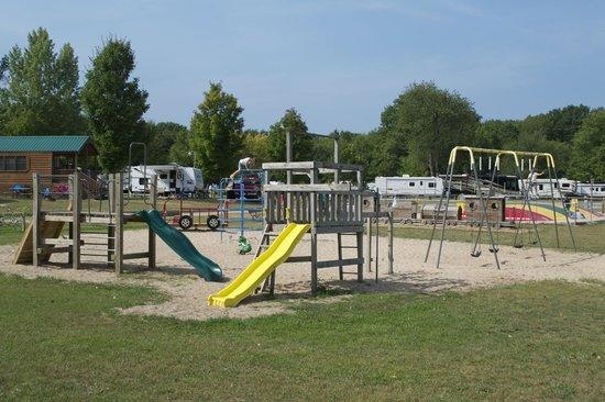 Traverse City KOA: Large playground