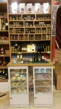 Manufaktura Souvenirs: truffles, ham & cheese at Manufaktura shop