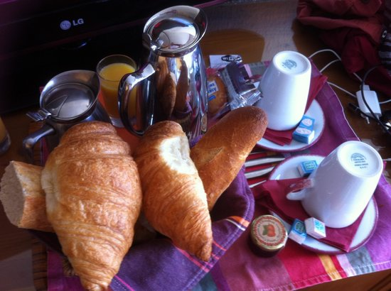 Le Grand Tetras Hotel: Petit dej en chambre