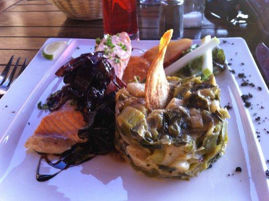 L'Etoile de Mer : Saumon avec compoté de poireaux