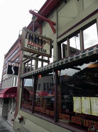 Bandits Grill & Bar: Front sign