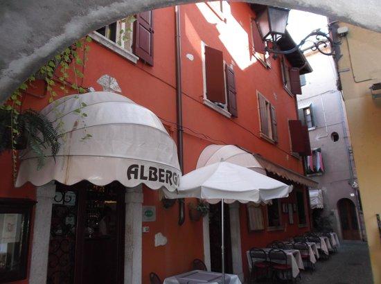Piccolo Hotel: outside the hotel