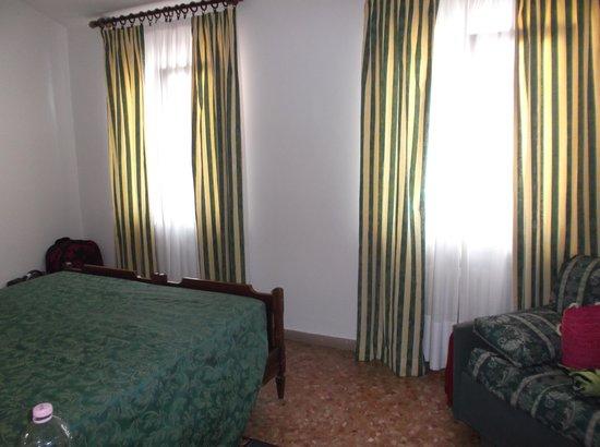 Piccolo Hotel: bedroom