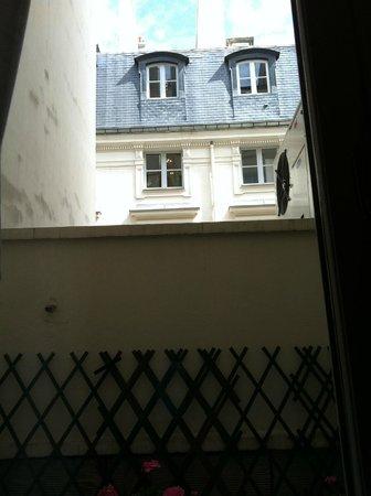 Louvre Piemont Hotel: vista da finestra al 2 piano