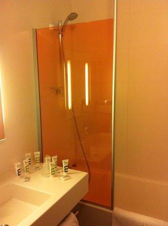 Mercure Saint Lary Sensoria: salle de bain