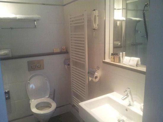 Hotel de Sevigne : Salle de bain