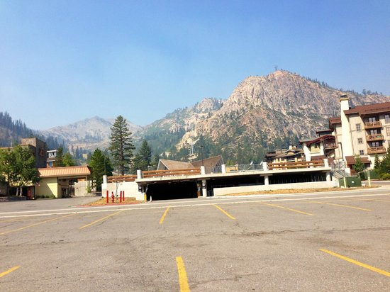 Red Wolf Lodge at Squaw Valley: Red Wolf Lodge is on the Left