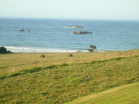 La Portilla Hotel: Vista do Hotel para a Praia