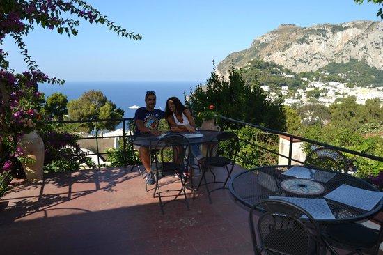 Hotel La Reginella: terrazza panoramica in cui fare colazione