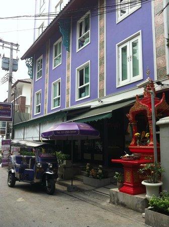 Sawasdee Hotel @ Sukhumvit Soi 8: vue d'ensemble de l'hotel