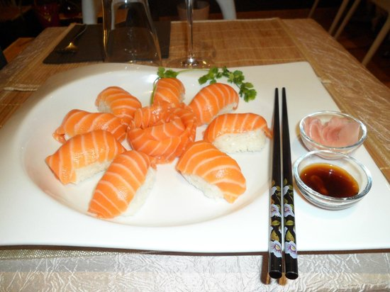 salle du restaurant picture of sushi master 39 s montpellier tripadvisor. Black Bedroom Furniture Sets. Home Design Ideas