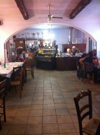 Ristorante Pizzeria La Fontana: il locale: interni
