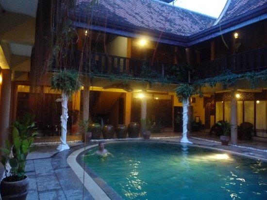 Ruean Thai Hotel: piscine