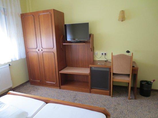 Hotel am Hofegarten: Large & comfortable room