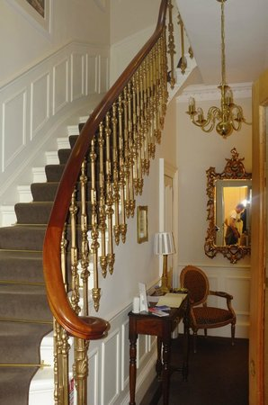 Highfield Guest House: Entrance Hall