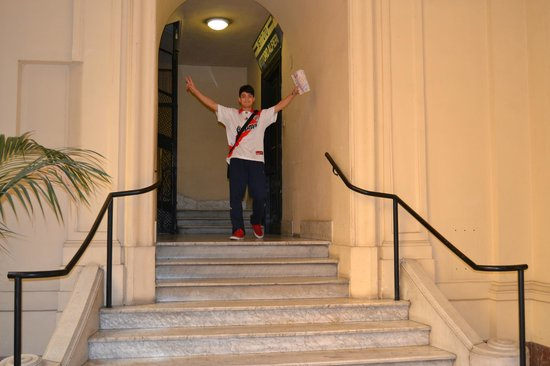 Marta Guest House: escaleras de ingreso