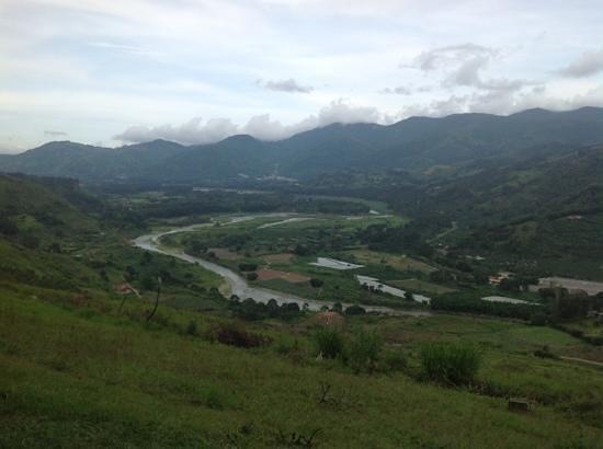 Orosi River Valley  ( El Valle del Rio Orosi ): vista al Valle de Orosí
