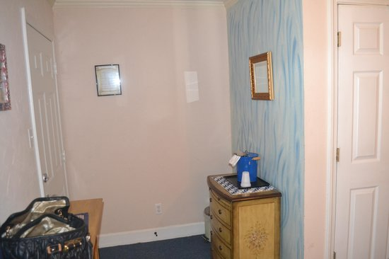 Riverboat Inn and Suites: Room
