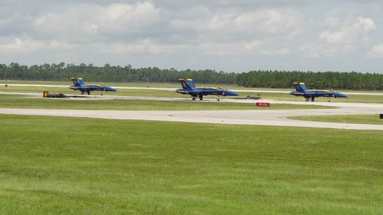Pensacola Naval Air Station: Blue Angels Taxi from the Runway