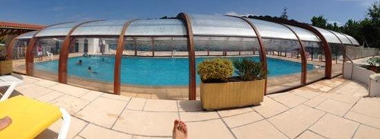 Yelloh! Village Ilbarritz : piscine couverte (août 2013)