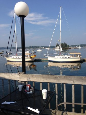 Cap'n Fish's Waterfront Inn: View from Capn Fish's