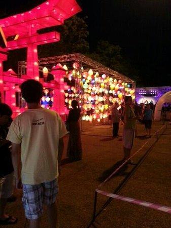 Imm Hotel Thaphae Chiang Mai: across st 2013 lantern festival
