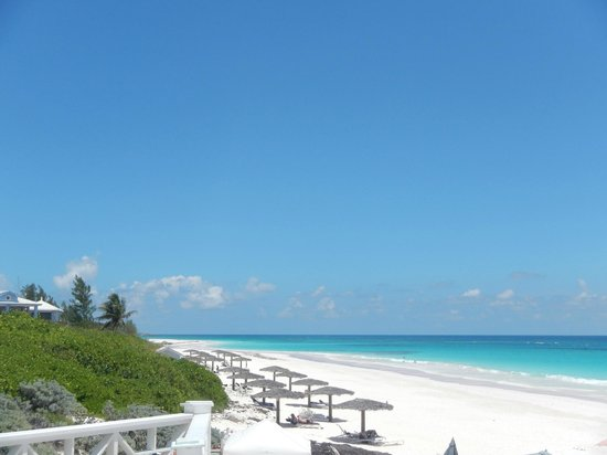 The Cove Eleuthera: white sand beach at harbour island