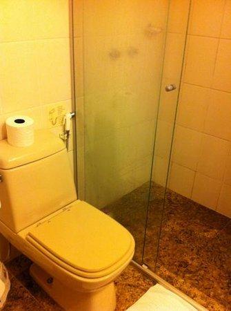 Mercure Curitiba Golden: Banheiro