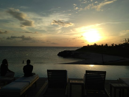 The Cove Eleuthera: typical sunset at the cove