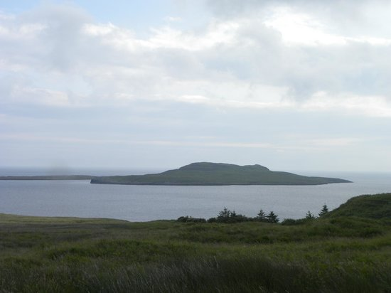 Seabound Bed and Breakfast: Looking out at Flodigarry Island