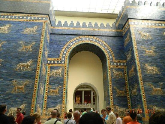 La porta del mercato di mileto foto van pergamonmuseum - Porta di mileto ...