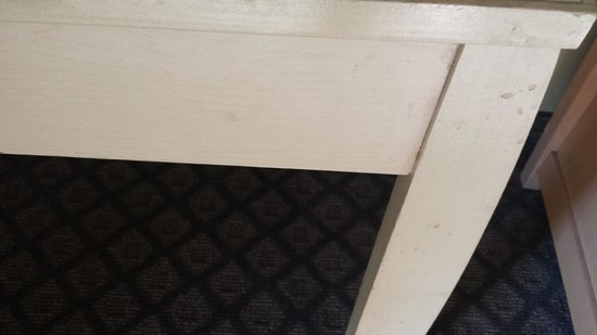 BEST WESTERN Indian Oak: some of the coffee splatters, and dirty, shabby furniture