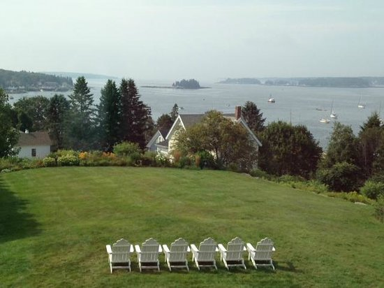 Topside Inn: The perfect place to sit and relax, day or night...