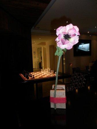 Hotel Concordia: ogni tavolo del bar... un fiore!
