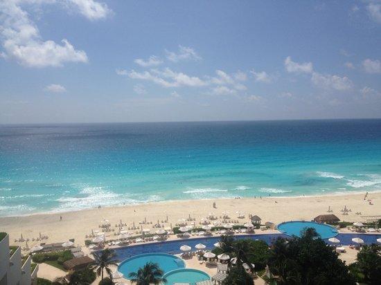 Live Aqua Beach Resort Cancun: Beautiful balcony view!