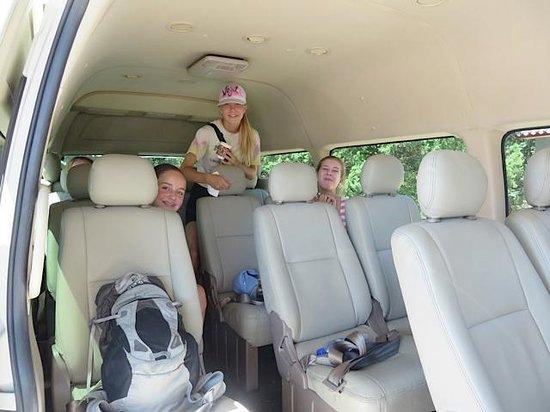 Tur Pribadi Harian - ke Beijing Tur Guide Catherine: Van