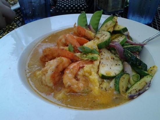 Okra's Cajun Creole : shrimp and grits