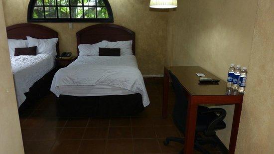 Kal Nawi Hotel: Room 8