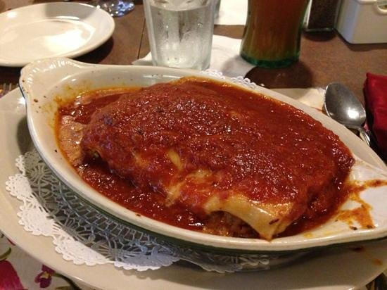 Vona's Restaurant: Lasagna