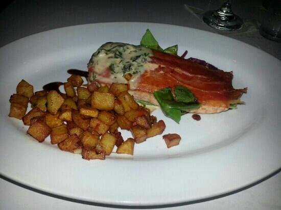 El Livin: Salmon with potatoes