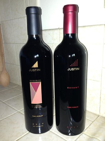 JUSTIN Vineyards and Winery : Yum!