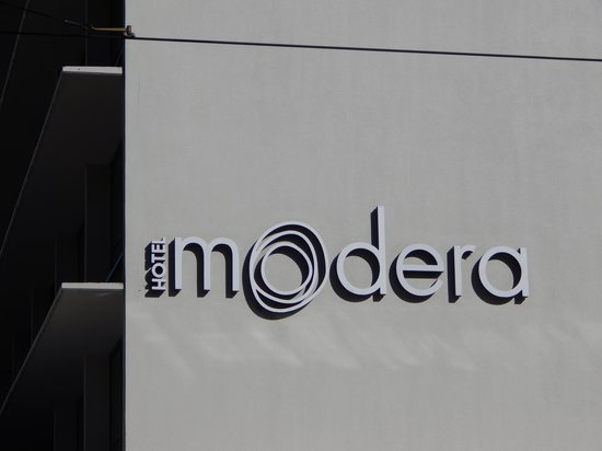 Hotel Modera: Sign from outside